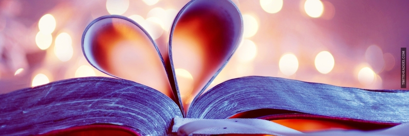 Book-pages-forming-a-heart